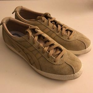 ASICS tiger Sneakers M7.5/ W10.5 (fits like a 9)
